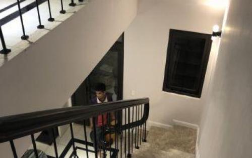 Cần bán căn nhà mặt tiền đường Phan Văn Hớn