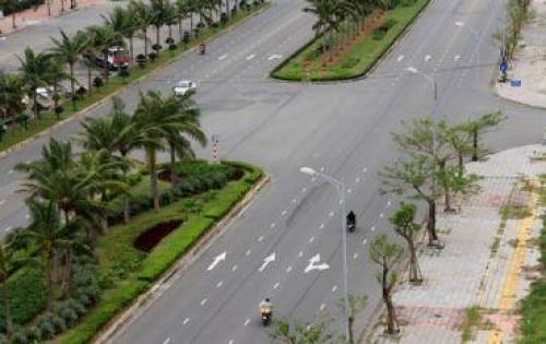 chính chủ cần bán gấp đất mặt tiền đường 20,5m, cách bãi tắm biển Đà Nẵng 700m,