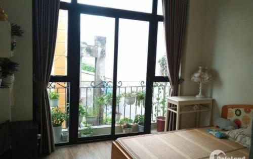 Chính chủ nhà 3 tầng 42m2, Long Biên, đầy đủ nội thất, giá 2.4 tỷ. LH: 0969.885.820