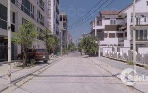Bán nhà 4 tầng , mặt tiền Lê Quang Đạo . Cách Nguyễn Văn Thoại 100m . Lê Quang Đạo là tuyến đường sầm uất thuốc phố đi bộ Đà Nẵng