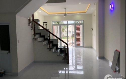 Cần bán gấp ngôi nhà đẹp, mới xây kiên cố tại xã Vĩnh Thạnh, giá chỉ 1 tỷ 8. LH 0935964828