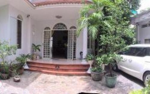 Bán villa rỗng rãi, đầy đủ tiện nghi Điện Biên Phủ, Quận 10.