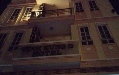 Chính chủ gửi bán khách sạn 5 tầng dt:8x30m, hướng Tây