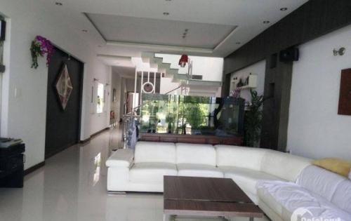 Bán gấp nhà HXH 136 Trần Quang Diệu, P14, Q3( 7x22m) giá 15 tỷ LH: 0938547079