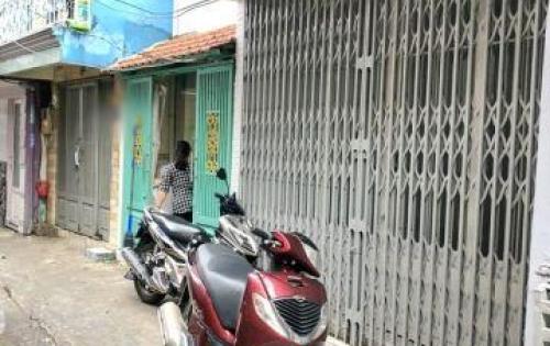 Bán gấp nhà lầu đẹp hẻm 874 Đoàn Văn Bơ quận 4.
