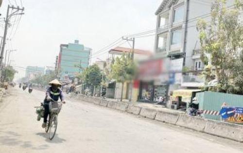Bán nhà lầu mặt tiền Huỳnh Tấn Phát quận 7.