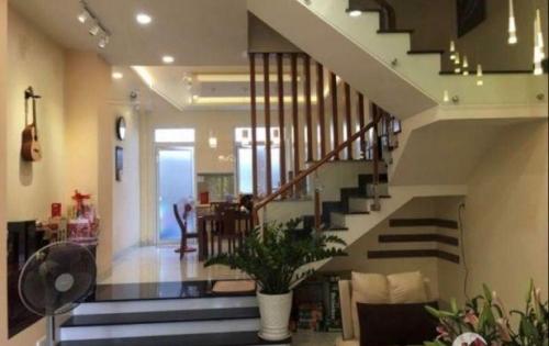 Cần bán nhanh nhà 3 lầu mặt tiền đường số khu dân cư ven sông phường Tân Phong, Q7. Giá: 12 tỷ