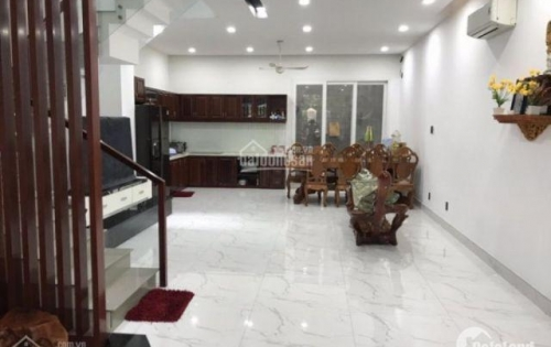 Bán nhanh nhà 2 lầu mặt tiền đường Tân Mỹ, phường Tân Thuận Tây, Q7, dt 6x20m. Giá: 11.5 tỷ