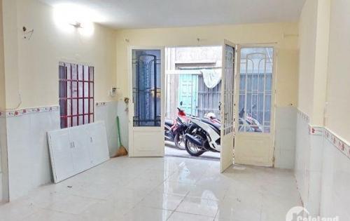 Bán nhà lầu đẹp giấy tay hẻm 749 Huỳnh Tấn Phát quận 7.
