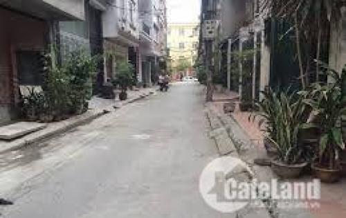 Bán gấp nhà ở Nguyễn Trãi, ngõ rộng 3 gác, kinh doanh, 38m2x4tang, giá 2,8 tỷ