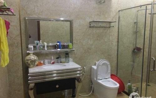 Ô tô tránh, nội thất đẹp Vương Thừa Vũ, Thanh Xuân kinh doanh