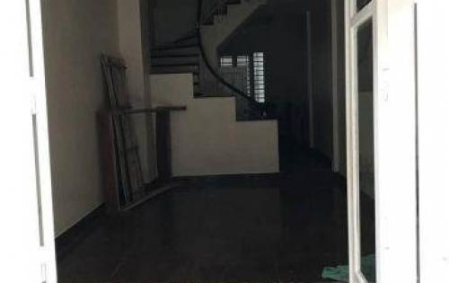 Bán nhà Phan Đình Giót, 40m2,ô tô vào nhà,giá chỉ 6 tỷ