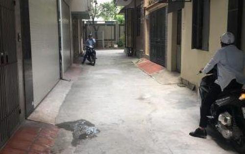 Bán Nhà Phố Nguyễn Huy Tưởng ô tô đỗ 24/24, 28m2*4 tầng, giá 2.6 tỷ