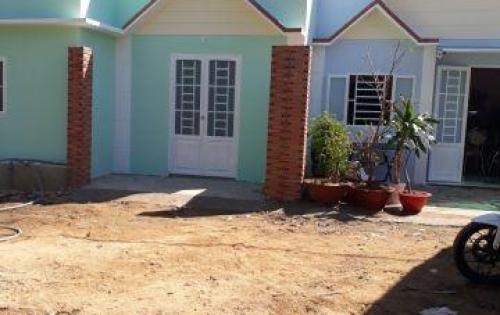 Nhà mới xây xong dọn vào ở ngay . cách QL1A 300m giá chỉ 295tr