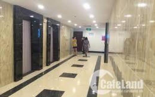 Chính chủ cần bán căn hộ chung cư 102m2 CC Green Stasr giá 2,4 tỷ.