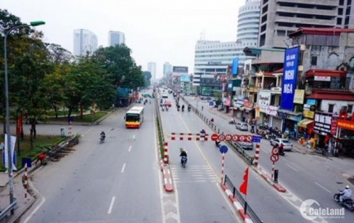 Cho thuê mặt bằng làm nhà hàng phố Tây Sơn: Diện tích 75m2, MT 7m.