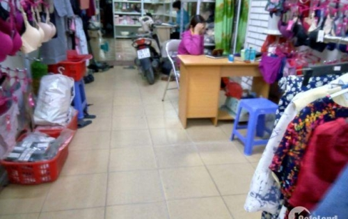 Cho thuê cửa hàng DT 75 m2 x 3 tầng mặt tiền 3,5 m đầu Phố Quang Trung Q.Hà Đông HN