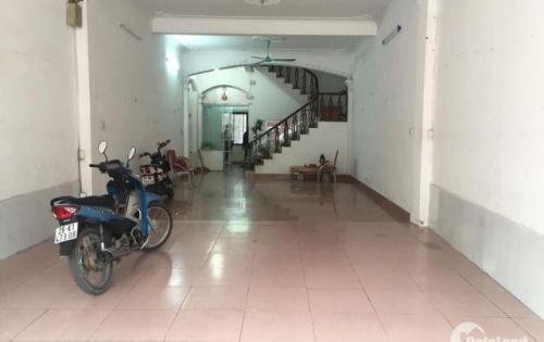 Cho thuê nhà nguyên căn mặt đường Nguyễn Văn Cừ, vị trí đẹp, Giá 25tr/ tháng, LH: 0375661839