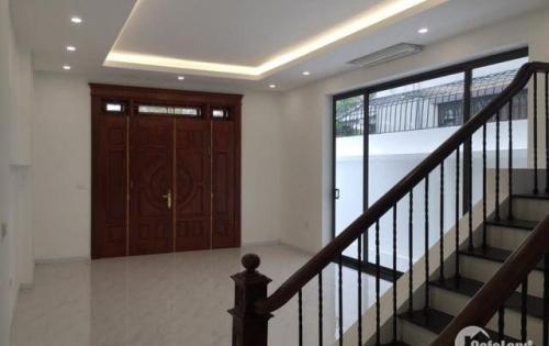 Biệt thự mới hoàn thiện khu đô thị Việt Hưng 4 tầng s: 200m2 LH: 0329371811