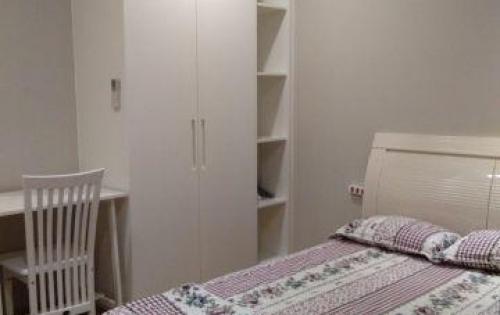 Cho thuê căn hộ cao cấp 2pn, mặt tiền đường Bến Vân Đồn