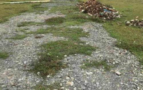 Chính chủ bán gấp mấy lô đất ở đ. Liên Ấp 123 Vĩnh Lộc A, lô 4x10m=160tr,đã phân lô. Lh 0906670242