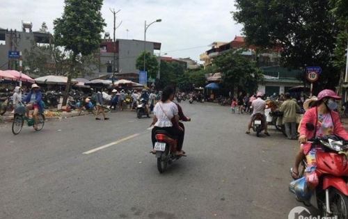 Bán đất nằm ngay chợ Thạch Bàn, Long Biên. Giá chỉ 2.1 tỷ