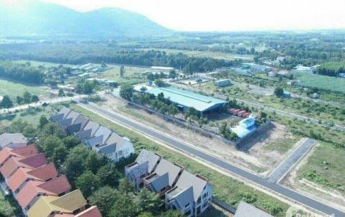 Cần bán 300m2(5x20) Gía 180 triệu Kế Bên UBND xã Tóc Tiên