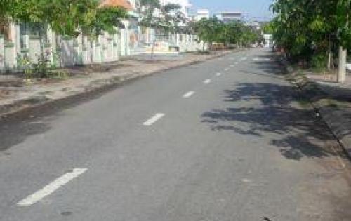 Bán nhanh đất nằm ngay trung tâm thị trấn Thủ Thừa, Long An