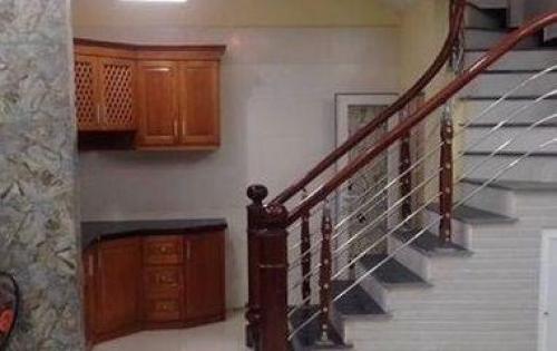 Bán nhà riêng ở Văn Cao 32m x 5 tầng . mặt tiền 4.09m.Giá 3.5 tỷ