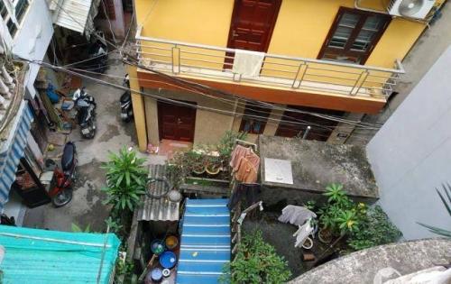 Bán nhà Võ Chí Công, nhà 56m2, 3 tầng, mặt tiền 4.9m, giá 3.35 tỷ, lh 0914423991.