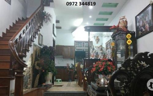 Cơ hội mua được nhà đẹp, hiếm tại phố Thịnh Quang, 37m*5, MT 4.65m, 4 tỷ