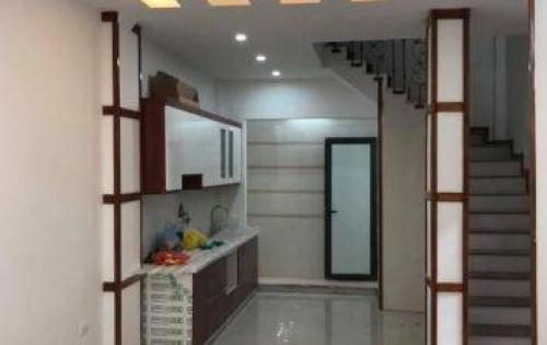 Bán nhà phân lô phố Tôn Đức Thắng, DT 48m Giá 5.4 tỷ.