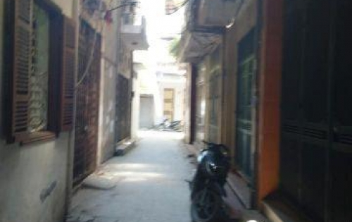 Bán nhà riêng, ngõ xe ba gác chạy ở Xã Đàn, DT 30m, giá 3.2 tỷ.