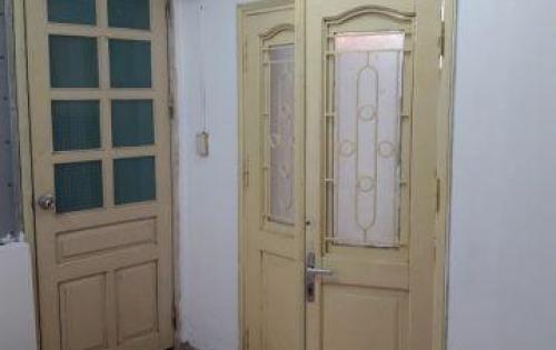 Chính chủ bán căn hộ khu Tập thể Đại học Công Đoàn, ngõ 167 Tây Sơn. Giá 980 triệu.
