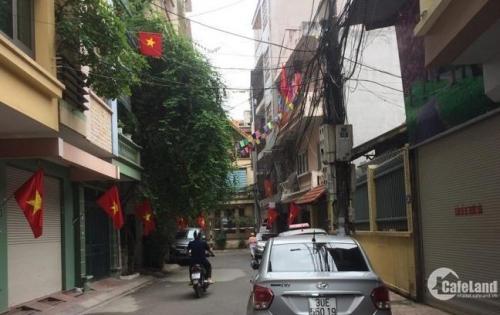 Cần Bán nhà mặt ngõ ô tô đỗ cửa Nguyễn Chí Thanh 30m*5 tầng, mặt tiền rộng đẹp 4m, kinh doanh đỉnh, gía thỏa thuận.