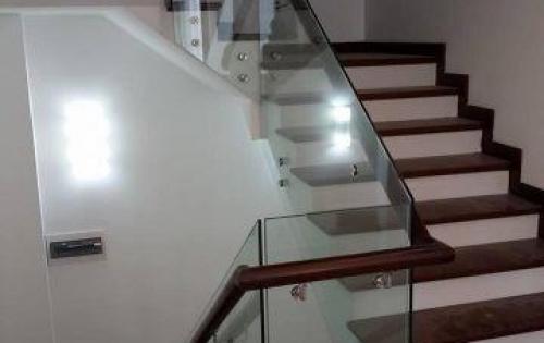 Nhà phân lô ngõ 178 Thái Hà, 4 tầngx39m2, oto vào nhà, kinh doanh