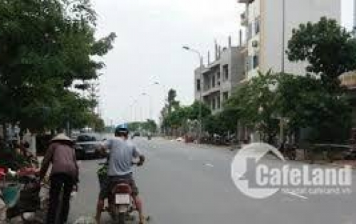 Bán nhà biết thự cực đẹp ngay trung tâm huyện gia lâm, 130m2.