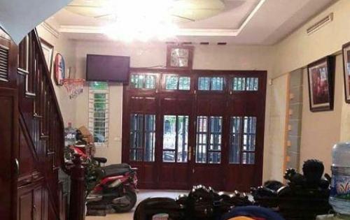 Bán nhà đẹp khu vực Dương Văn Bé, Vĩnh Tuy. Diện tích 50m2, giá 3.05 tỷ.