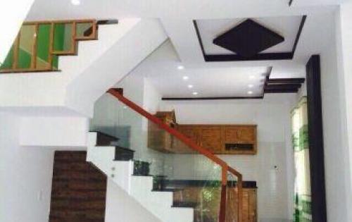 Bán nhà  3 tầng MT đường Nguyễn Tri Phương,  hướng đông, giá bán: 6 tỷ, nhà đẹp vuông vứt
