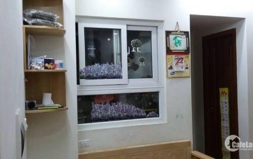 Bán căn hộ tầng trung tại HH1C Linh Đàm, 2 phòng ngủ 70.32m2. Giá 1 tỷ 270 triệu có thương lượng