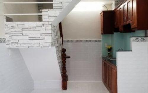 nhà HTP, 1 triệt 2 lầu,sân thượng,2pn,hẻm 8m