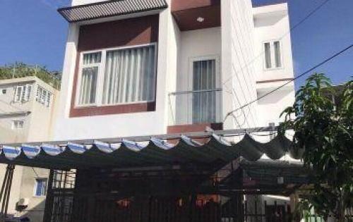 Bán nhà 3 tầng MT đường Hoài Thanh, nhà đẹp vuông vứt, mua vào là ở ngày, giá bán: 8,7 tỷ