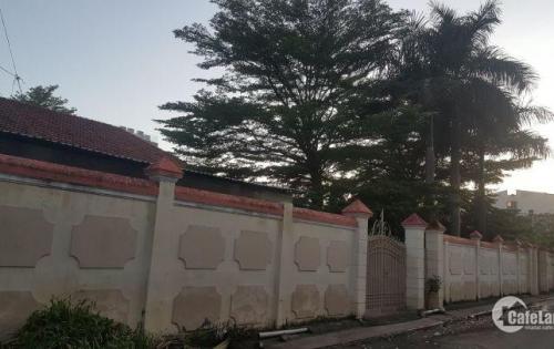 Bán nhà và đất mặt tiền đường 65 Phường Thảo Điền giá 120tr/m2