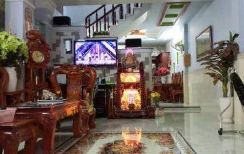 Bán gấp nhà 2 lầu mới đẹp hẻm 874 Đoàn Văn Bơ quận 4.