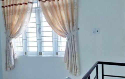 Cần bán gấp nhà 1 lầu hẻm 1283 Huỳnh Tấn Phát, phường Phú Thuận, quận 7. Giá: 950 triệu