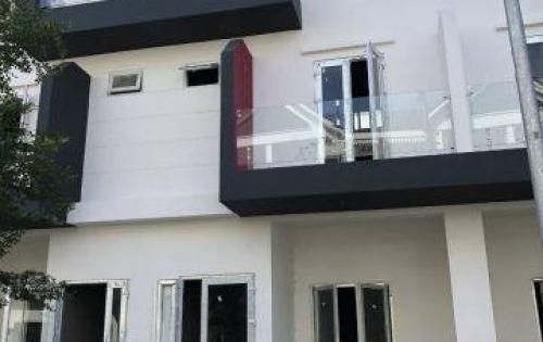Kẹt tiền, bán lỗ nhà phố trên đường Nguyễn Duy Trinh, Q 9