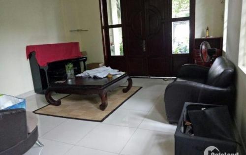 Nhà MT đường 138, p. Tân Phú,1 trệt 1 lầu, có sân thượng