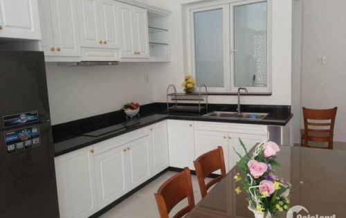 Cần bán căn hộ Ciputra - Nam Thăng Long, 88m2, 3pn, góc, sổ đỏ chính chủ.