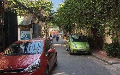 Nhà đẹp,ô tô tránh,sát phố Vương Thừa Vũ 51m2*5 tầng giá trên trời 7,3 tỉ