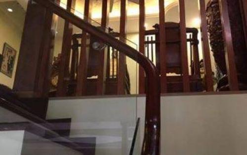 Bán nhà đẹp Ngã Tư Sở, 5 tầng, mt 4.5m, 6 ngủ, 40m2, giá 3.45 tỷ.